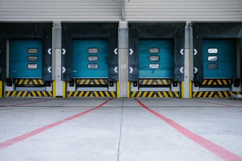 your essential loading dock safety 6 point checklist